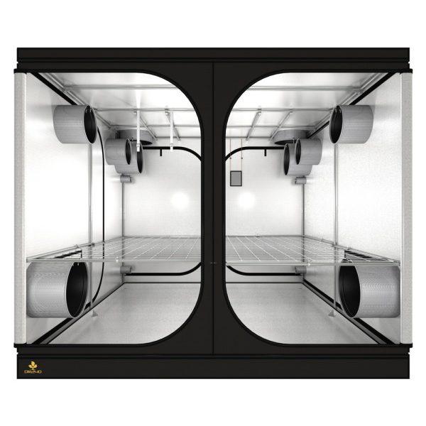 Dark Room 240 x 240 x 200 cm R4.00